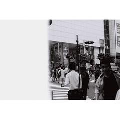 Japanese #fomapan100 (31lucass shots) Tags: istillshootfilm filmisnotdead analoguefilm thefilmcommunity grainisgood filmfeed minoltacamera minoltafilm lensculture photofilmy 35mmfilm 135film vintagecamera tokyo snapshot streetphoto filmphotography tokyostreet japan peopleinstreet streetsnap tokyojapan 50mmlens fomapan fomapanfilm fomapan100