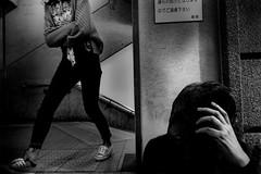 S0353122A Urban space (soyokazeojisan) Tags: japan kobe city street people bw blackandwhite monochrome digital fujifilm xq2 2019
