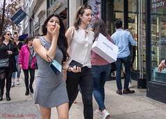 UNTUCKit (ViewFromTheStreet) Tags: allrightsreserved blick blickcalle blickcallevfts calle copyright2019 pennsylvania philadelphia photography scotch scotchsoda stphotographia streetphotography untuckit viewfromthestreet walnutstreet walnutstreetshopping amazing beauty bluemercury candid candideyecontact cell classic denim dress eyecontact female girl jeans mobile phone pretty ready soda street sunglasses vftsviewfromthestreet woman ©blickcallevfts ©copyright2019blickcalle