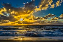 reflective Gold (*Capture the Moment*) Tags: 2018 clouds fotoshooting fotowalk himmel insel island landscape landschaft september sky sonnenuntergang sonya7miii sonya7mark3 sonya7m3 sonya7iii sonyilce7m3 sunset sylt waves wellen wetter wolken cloudy wolkig