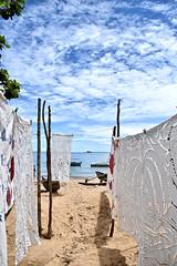 Wäscheleinen (Christoph Demko) Tags: wäscheleine clothesline madagaskar madagascar meer sea strand beach