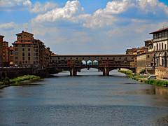 Ponte Vecchio (Donald Plourde) Tags: ponte vecchio rivière arno river florence italie