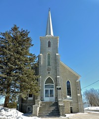Selby United Church, formerly Selby Methodist Church, built 1875 (Will S.) Tags: mypics unitedchurchofcanada methodist protestant christian church christianity churches protestantism selby ontario canada lennoxandaddingtoncounty lennoxandaddington