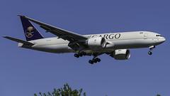 HZ-AK72_JFK_Landing_22L (MAB757200) Tags: saudiarabiancargo b777ffg hzak72 aircraft airplane airlines airport jetliner jfk kjfk boeing landing runway22l