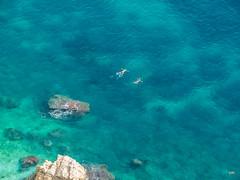 dos cossos (.carleS) Tags: caeduiker olympus omd em5 ii mar sea mediterrani aigua water