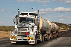 Road Train! (Uhlenhorst) Tags: 2017 australia australien trucks lastwagen travel reisen