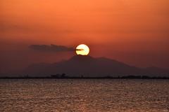 Spanish sunset! (Nina_Ali) Tags: tranquility serenity calmness beauty spain españa backlit backlight light sun puestadesol whitecoast