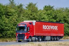 BL17028 (18.07.18, Motorvej 501, Viby J)DSC_5586_Balancer (Lav Ulv) Tags: 255903 volvo volvofh fh4 fh500 e6 euro6 6x2 red frodelaursen rockwool toftelundtransport toftelundlandbrugogtransportvpallelykkejensen curtainside planentrailer gardintrailer 2017 schmitztrailer truck truckphoto truckspotter traffic trafik verkehr cabover street road strasse vej commercialvehicles erhvervskøretøjer danmark denmark dänemark danishhauliers danskefirmaer danskevognmænd vehicle køretøj aarhus lkw lastbil lastvogn camion vehicule coe danemark danimarca lorry autocarra danoise vrachtwagen motorway autobahn motorvej vibyj highway hiway autostrada trækker hauler zugmaschine tractorunit tractor artic articulated semi sattelzug auflieger trailer sattelschlepper vogntog oplegger sættevogn schlepper