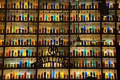 Colours (landeicgn) Tags: athen bar flaschen athens bottles farben colores