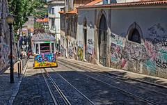 Ascensor da Glória, Lisboa (Miguelanxo57) Tags: ascensor funicular lisboa portugal elevador ascensordaglória graffitis