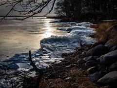 P1120009.jpg (Mircada) Tags: landskap isformationer vinter strand roxen