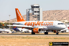 Airbus A319 easyJet Europe OE-LQT (Ana & Juan) Tags: airplane airplanes aircraft airport aviation aviones aviación airbus a319 easyjet europe landing alicante alc leal spotting spotters spotter planes canon closeup reverse