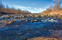 Isar bei Unterföhring 2 (Chridage) Tags: isar fluss river unterföhring ismaning wasser water steine stones brücke himmel baum