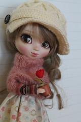 Una rosa... (Ninotpetrificat) Tags: doll japandolls pullip groove crochet punto hobby kawaii cute asiandoll japantoys toys