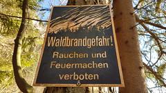 Gmunden am Traunsee - Austria (Been Around) Tags: gmundenamtraunsee oö austria gmunden traunsee untermstein schild sign waldbrandgefahr retro wandern hiking wanderweg traunstein waldbrand österreich autriche beenaround europe europa eu europeanunion upperaustria miesweg