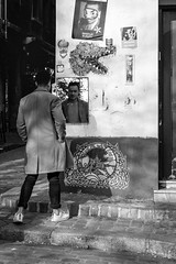 Paris in black and white (St James Gate) Tags: street candid photoderue paris montmartre people blackandwhite explore in noitetblanc noiretblanc