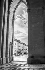 Cathédrale Sainte-Croix - Orléans (Christophe Laakmann) Tags: voigtlander 35mm nuage cloud light sky ciel arcade eglise street architecture orléans city leica cathedrale church
