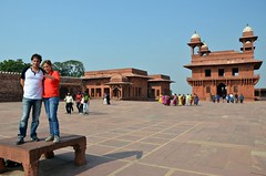 Lifesize Parcheesi (Pedestrian Photographer) Tags: fatehpur sikri india parcheesi life size human playing home board plaza fort indian tourists