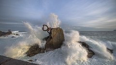 (iñakipeñalba) Tags: peine viento perinedelviento eduardo chillida sansebastian donostia euskadi gipuzkoa olas mar turismo amanecer