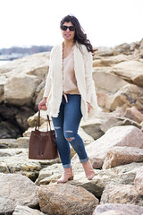 fringe cardigan, silk button down top, blush suede booties, bucket bag-5.jpg (LyddieGal) Tags: anthropologie thrifted spring oldnavy jeans fashion boots outfit blush white beach monogram denim gap connecticut weekendstyle style marleylilly wardrobe swap rayban joie tjmaxx