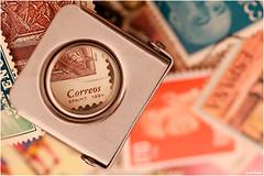 Hobby (Vicent Ramiro) Tags: hobby macromondays sellos stamps philately filatelia aficiones magnifyingglass lupa post correo