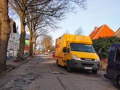DHL IVECO - Burg auf Fehmarn - 12. Februar 2019 (torstenbehrens) Tags: dhl iveco burg auf fehmarn 12 februar 2019 deutsche post zustellung olympus ep1