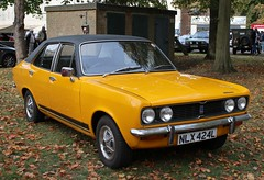 NLX 424L (Nivek.Old.Gold) Tags: 1972 hillman avenger 1500 basic 4door