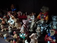 Picnic..??? (daveandlyn1) Tags: bears afewbears teddybears acupboard gathering aparty apicnic mobilephone pralx1 p8lite2017 smartphone psdigitalcamera cameraphone