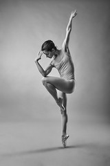 Danza Zaragoza - Paula (jmsoler) Tags: ballet bailarina ballerina blancoynegro blackandwhite zaragoza 2019 jmsoler paulina