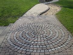 RIMG4674 (joachimelbing) Tags: barfuspark altenbuseck spirale pflaster pflastersteine frieda