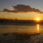 Riflessi al tramonto in spiaggia thumbnail