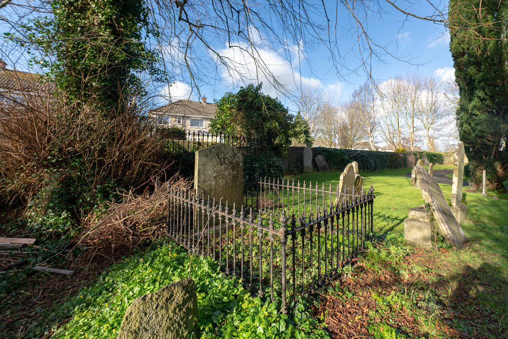 ST COLUMBA'S CHURCH AND GROUNDS IN SWORDS COUNTY DUBLIN [CHURCH ROAD]-148792
