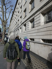 UK - London - Bloomsbury - Gower Street - Walking past UCL Darwin Building (JulesFoto) Tags: uk london england southbankramblers bloomsbury walking darwinbuilding ucl