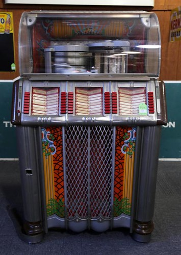 Wurlitzer 1250 Phonograph Music Juke Box ($235.20)