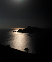 """SDIM1348 - sd1 - """"Sera sui Faraglioni di Capri"""" mamiya-sekor c 45mm f2.8 (ciro.pane) Tags: sigma sd1 merrill foveon isola capri sera tarda pensieri poesia ugo foscolo tempo veloce trascorre tristezza italia italy italien italie golfo napoli promontorio minerva termini massa lubrense mamiyasekor c 45mm f28 n"""