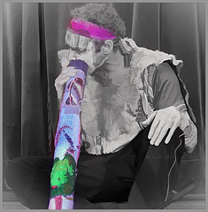 Music is moonlight in the gloomy night of life. (Jean Paul)  ** Explored ** (boeckli) Tags: 006004 rx100m6 didgeridoo music musicalinstrument musik musikinstrument indigenous noordam crazytuesday textures texturen texture textur photoborder rahmen topaz frame blackwhite farbig selectivecolour selektivefarbe