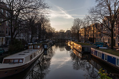 Amsterdam-Centrum 002 (Igor Klajo) Tags: amsterdam netherlands niederlande nederland gracht kanal chanel water waterfront ship boathouse canoneos5dmarkii canon canonef2470mmf28liiusm northholland nl