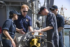 Under Secretary of the Navy Thomas B. Modly tours USS Gladiator (MCM 11).