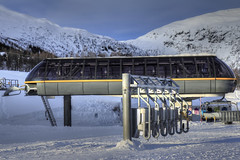 Please fasten your seatbelts (Siggi007) Tags: winter gondola skilift elevator skiing snow cold colors mountains mountainside gates colores farben winterzeit invierno schnee nieve nature natur naturaleza landscape landshaft paysage canon sky outdoors outdoor colour norway norwegen noruega norge myrkdalen trees steel 60d eos hdr
