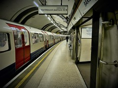 Baker St (PAJ880) Tags: tfl london uk transport tube subway jubilee line train urban city underground