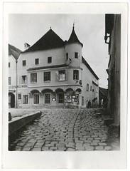 . (Kaïopai°) Tags: türmchen erker vintage old alt historie history geschichte damals früher historic architektur architecture house building gebäude haus