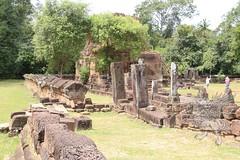 Angkor_Bakong_2014_08