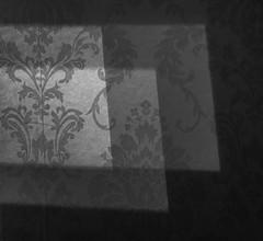 20190227 ljuskällor på hall väggen (Sina Farhat) Tags: hemma home vägg wall light ljus blackandwhite svartvit monochrome göteborg gothenburg sweden sverige 031 raw canon7d canon50mm14usm lightroomclassiccc