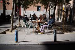 JB002232.jpg (Juan Bello Photo) Tags: 50mm color streetportraitss people individuals streetphotography streetportraits gente mirada barrio leica juanbellophoto españa spain retratos calle city madrid portraits plaza streets leicam10