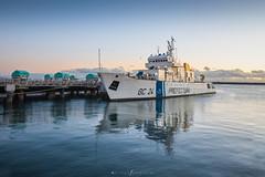 guardianes (Mauro Esains) Tags: mar muelle barco prefectura agua golfo gaviota horizonte jorge george gulf sol libre landscape luces océano olas ocean patagonia paisaje