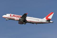 LaudaMotion Airbus A320-214 OE-LOA (EK056) Tags: laudamotion airbus a320214 oeloa düsseldorf airport