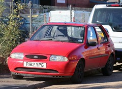 P182 YPG (Nivek.Old.Gold) Tags: 1997 ford fiesta lx 5door 1242cc
