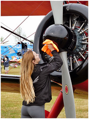 46 Aviation Wingwalker Danielle (Aerofossile2012) Tags: 46 aviation wingwalker danielle emiliano stearman aircraft meeting airshow laferté 2017 people femme woman