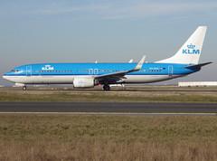 "PH-BXG, Boeing 737-8K2(WL), 30357 / 605, KLM Royal Dutch Airlines (Koninklijke Luchtvaart Maatschappij), fleet # XG-307, ""Kraanvogel / Crane"", CDG/LFPG 2019-02-14, taxiway Bravo-Loop. (alaindurandpatrick) Tags: phbxg 30357605 737 738 737800 737nextgen boeing boeing737 boeing737800 boeing737nextgen jetliners airliners kl klm klmroyaldutchairlines airlines cdg lfpg parisroissycdg airports aviationphotography"