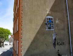Banksy - Well Hung Lover (virtual-stu) Tags: banksy bristol streetart art graffiti